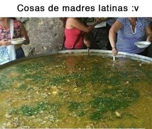 Meme mamá latina