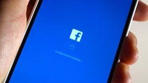 Facebook quiere que subas tus fotos íntimas a Messenger-1